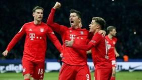Hertha Berlin - Bayern Munich 0-4: Muller, Lewandowski, Thiago Alcantara, Perisic đua tài ghi bàn