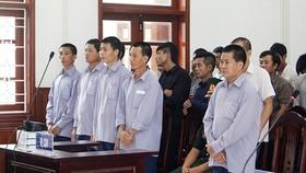 Các bị cáo tại phiên tòa xét xử sáng nay 8-6-2018