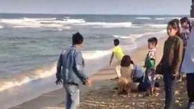 Quảng Nam: Tắm biển, 6 em HS bị chết và mất tích