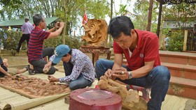 Sôi động giỗ Tổ nghề mộc Kim Bồng
