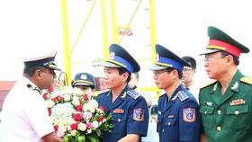 Tàu lực lượng bảo vệ bờ biển Ấn Độ cập cảng Tiên Sa