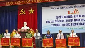 Tuyên dương điển hình học tập và làm theo tư tưởng, đạo đức, phong cách Hồ Chí Minh