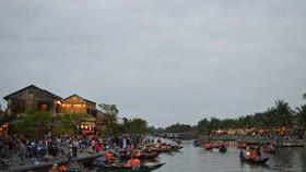 Áp lực dân số, du khách làm ảnh hưởng nghiêm trọng phố cổ Hội An