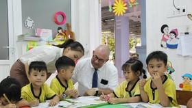 6.200 trẻ mầm non được Đại sứ Bỉ tặng túi đồ dùng vệ sinh cá nhân