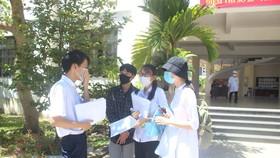 Quảng Nam cách ly 23 học sinh thi tốt nghiệp THPT cùng phòng với con bệnh nhân 964