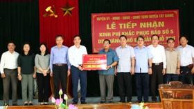 Đà Nẵng tài trợ cho Quảng Nam hơn 12 tỷ đồng khắc phục bão số 5