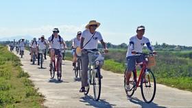Liên kết phát triển du lịch giữa TP Hà Nội, TPHCM và Vùng kinh tế trọng điểm miền Trung