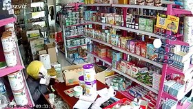 Điều tra vụ 3 người nghi dàn cảnh mua hàng để trộm tiền tại Tiền Giang