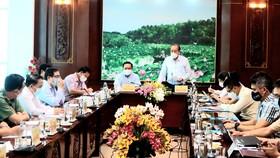 Phó Thủ tướng Thường trực Trương Hòa Bình làm việc với tỉnh Long An về phòng chống dịch Covid-19
