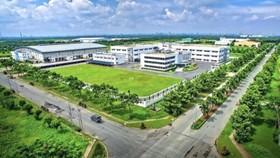 Long An trao quyết định thành lập khu công nghiệp Nam Tân Tập