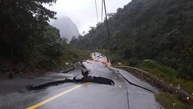 Sụt trượt đất tại đồn biên phòng quốc tế Cha Lo, hàng chục cán bộ, chiến sĩ thoát nạn trong gang tấc
