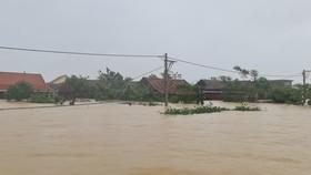 Lũ năm nay ở Quảng Bình đặc biệt lớn nên phải huy động tổng lực để tiếp tế cứu dân