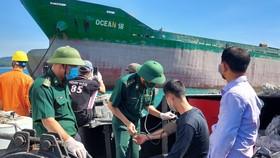 BĐBP kiểm tra sức khỏe các ngư dân