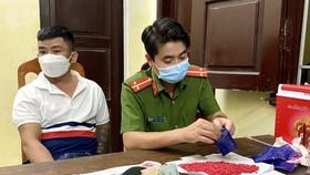 Quảng Bình: Bắt 3 đối tượng tàng trữ hơn 11.000 viên ma túy tổng hợp