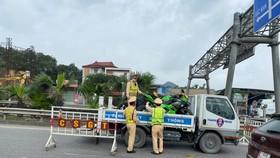 Tạm giữ 9 xe phân khối lớn đi vào cao tốc Hà Nội - Thái Nguyên