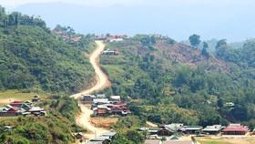 Bình Định và Quảng Nam nằm trong số những tỉnh bị ảnh hưởng nặng nề nhất do thiên tai gây ra, đặc biệt là khu vực miền núi. Ảnh: Báo Nhân dân.