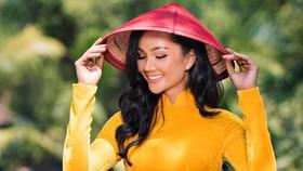 H'Hen Niê đứng thứ 23 trong Top 50 Hoa hậu Hoàn vũ đẹp nhất thập kỷ