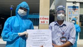 Miss Grand Việt Nam 2021 tặng máy thở và 5 tấn gạo hỗ trợ bà con nghèo