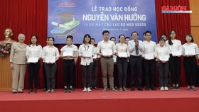 Học bổng Nguyễn Văn Hưởng nâng đỡ và tiếp bước cho sinh viên y khoa