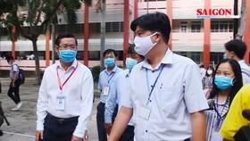 Thứ trưởng Bộ GD-ĐT Nguyễn Văn Phúc kiểm tra điểm thi THPT tại TPHCM trước giờ G
