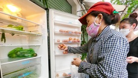 """""""Tủ lạnh cộng đồng"""" cho thực phẩm mang về nấu"""