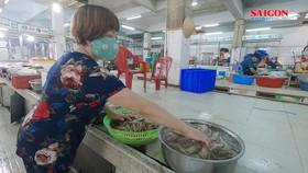 Chợ truyền thống ở TPHCM từng bước mở cửa trở lại