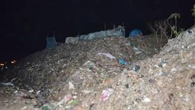 Các bãi rác ở Trà Vinh ngày càng quá tải...