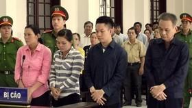Phiên tòa xét xử các bị cáo