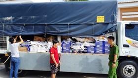 Xe tải chở thuốc lá nhập lậu bị bắt giữ