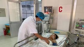 """""""Báo động đỏ"""" nội viện cứu sống bệnh nhân bị vết thương tim nguy kịch"""