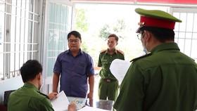 Bắt 3 người nguyên là cán bộ ở Ngân hàng TMCP Bưu điện Liên Việt chi nhánh Vĩnh Long