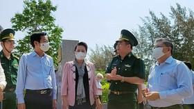 Chủ tịch Quốc hội Nguyễn Thị Kim Ngân thăm lực lượng phòng chống dịch Covid-19 ở biên giới Kiên Giang