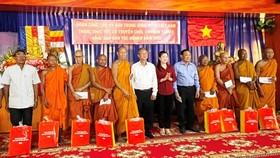 Ủy ban Trung ương Mặt trận Tổ quốc chúc Tết Chôl Chnăm Thmây
