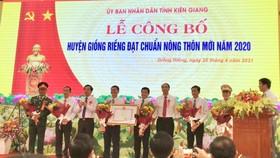 Lễ công bố huyện Giồng Riềng đạt chuẩn nông thôn mới