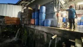Bị phạt 370 triệu đồng vì xả thải trái phép tại chợ đầu mối thủy hải sản