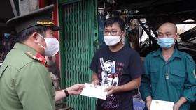 Hỗ trợ 53 triệu đồng cho các hộ dân bị cháy nhà ở An Giang