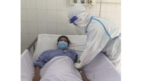 Cứu sống sản phụ lao màng phổi, mắc Covid-19 nguy kịch