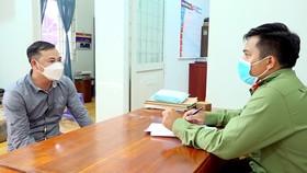 Tạm giữ 2 đối tượng tổ chức đưa 16 người xuất cảnh trái phép sang Campuchia