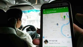 Sớm có quy chế quản lý Uber và Grab