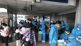 Hơn 400 người Kiên Giang ở TPHCM được Công ty Phương Trang đưa về quê