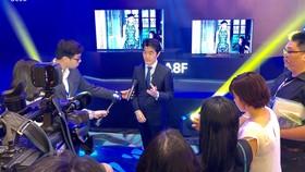 Lãnh đạo Sony Việt Nam trả lời báo giới trong lễ ra mắt TV mới