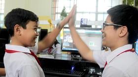 Học sinh học tập và tìm hiểu về Khoa học máy tính