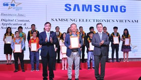 """Samsung Vina được vinh danh """"Top 50 doanh nghiệp CNTT hàng đầu Việt Nam năm 2019"""""""