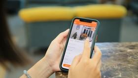 Chỉ bằng cách lướt màn hình, khách hàng có thể theo dõi từng góc của ngôi nhà cần mua