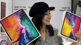 Hai chiếc iPad Pro 2020 tại Di Động Việt