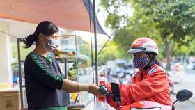 GoViet hỗ trợ hàng trăm ngàn bữa ăn, tặng phiếu mua hàng cho các đối tác tài xế