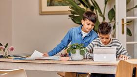 Microsoft gíup học sinh toàn cầu thỏa sức kết nối và sáng tạo