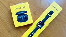 Realme SmartWatch và Realme Buds Q