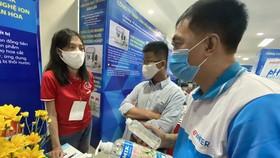 Nước cắm hoa Humik được giới thiệu tại Chợ thiết bị KH-CN vừa được tổ chức tại TPHCM