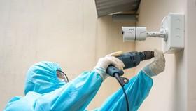 Các camera giám sát đã được nhanh chóng lắp đặt tại các bệnh viện dã chiến